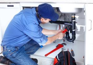Thợ sửa ống nước giá rẻ quận 10
