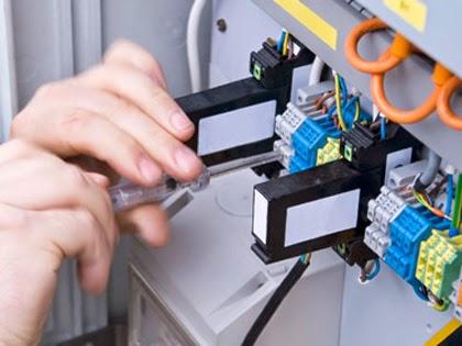 Thợ sửa điện tại nhà quận 4 hcm Liên hê 0932489685 -