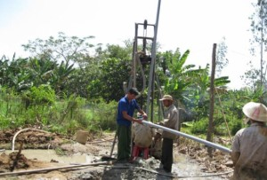 Thợ khoan giếng ở tại tphcm - Chuyên khoan giếng công nghiệp - Khoan giếng gia đình Gọi 0932489685